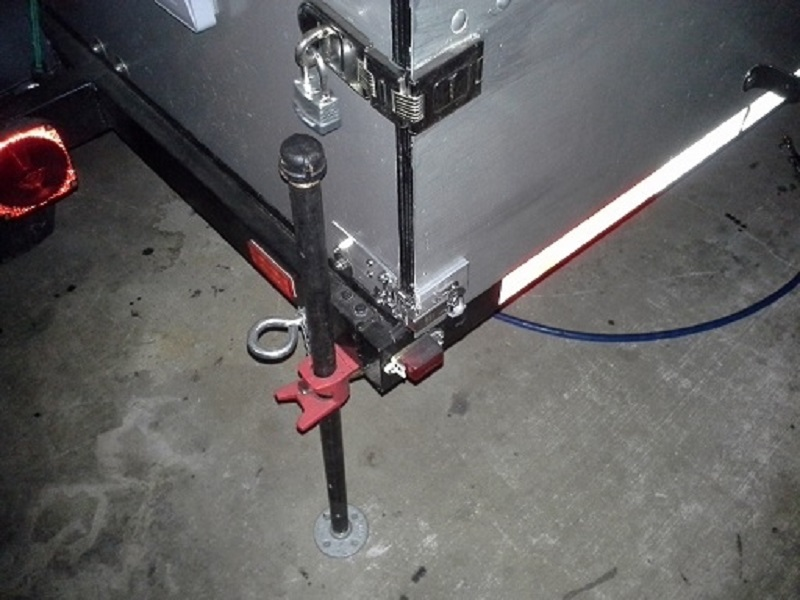 right-angle draw latch, and hasp.png